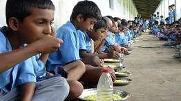 അന്നമൂട്ടുന്നവര്ക്ക് അന്നംമുട്ടി; സംസ്ഥാനത്തെ 14,600 സര്ക്കാര് സ്കൂളുകളിലെ പാചകത്തൊഴിലാളികള് പട്ടിണിയില്
