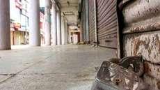 കൊവിഡ്: 2500ഓളം കടകള് അടച്ചുപൂട്ടി, തൃശൂര് ജില്ലയില് 5000 വ്യാപാരികള് ജപ്തി ഭീഷണിയില്, വ്യാപാര മേഖലയ്ക്ക് മാത്രം 10 കോടി രൂപയുടെ നഷ്ടം