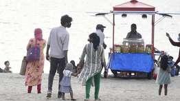 കോവിഡ്: കോഴിക്കോട് ജില്ലയില് രണ്ടാഴ്ചത്തേയ്ക്ക് യോഗങ്ങള്ക്ക് വിലക്ക്, പൊതു സ്ഥലങ്ങളില് മുതിര്ന്ന പൗരന്മാര്ക്കും കുട്ടികള്ക്കും പ്രവേശനമില്ല