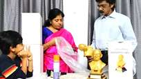 ഇസ്രായേല് - പാലസ്തീന് ഭരണത്തലവന്മാര്ക്ക്  സമാധാന സന്ദേശവുമായി ഗാന്ധിപ്രതിമ അയച്ചു