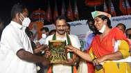 ജനതാ ദള് കൊല്ലം ജില്ലാ ജോ.സെക്രട്ടറി റഷീദ് ബിജെപിയില് ചേര്ന്നു; സിപിഎം മുന് കൗണ്സിലറും ബ്രാഞ്ച് സെക്രട്ടറിയും ബിജെപിയില്