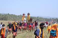 മച്ചാട് മാമാങ്കത്തിനോടനുബന്ധിച്ച് നടന്ന കുതിര വരവ്