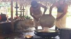 കൊട്ടിയൂര് വൈശാഖ മഹോത്സവം - തിരുവാതിര ചതുശ്ശതം ഭഗവാന് സമര്പ്പിച്ചു. ഇന്ന് പുണര്തം ചതുശ്ശതം