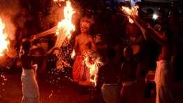 മലനാട് ക്രൂയിസ് ടൂറിസം പദ്ധതിയില് തെയ്യത്തെ ഉള്പ്പെടുത്തരുതെന്ന് ഹൈക്കോടതി