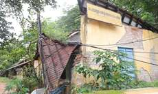 തൃശൂർ ഈസ്റ്റ് ഉപജില്ല ഓഫീസ് തകർന്ന നിലയിൽ