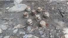 നാദാപുരത്ത് സ്വകാര്യവ്യക്തിയുടെ പുരയിടത്തിൽ നിന്ന് സ്റ്റീൽ ബോംബുകൾ; കണ്ടെത്തിയത് മതില് നിര്മിക്കാനായി കുഴിയെടുത്തപ്പോൾ