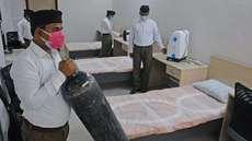 കോവിഡ് മൂന്നാം തരംഗത്തെ നേരിടാന് ഇന്ത്യയിലുടനീളം 2.5 ലക്ഷം സ്ഥലങ്ങളില് പരിശീലനം നേടിയ  പ്രവര്ത്തകരെ സേവനത്തിനായി വിന്യസിക്കാനൊരുങ്ങി  ആര്എസ്എസ്