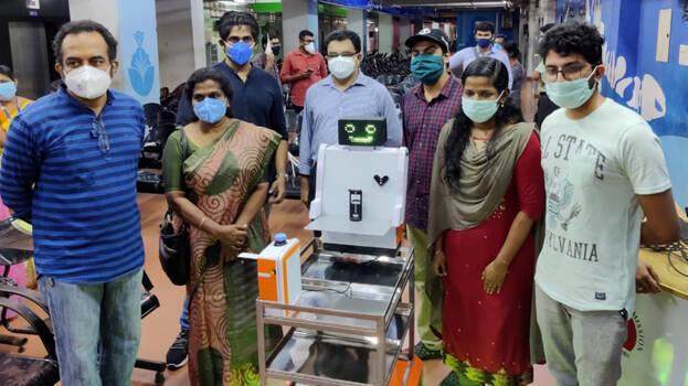 കോവിഡ് രോഗികളിലേക്ക് 'റോബോട്ടിക് മാജിക്കുമായി' എന്ജിനീയറിംഗ് കോളേജ് വിദ്യാര്ത്ഥികള്