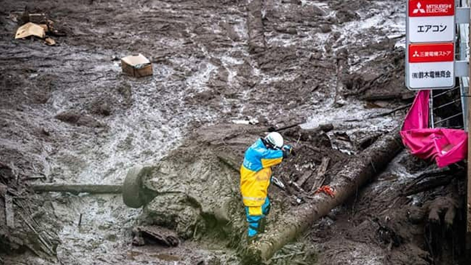 ജപ്പാനില് മണ്ണിടിച്ചിലില് നൂറിലേറെ പേരെ കാണാതായി, 130 കെട്ടിടങ്ങൾ തകർന്നു, മഴ തുടരുന്നതിനാല് സ്ഥിതി പ്രവചനാതീതമെന്ന് മുന്നറിയിപ്പ്
