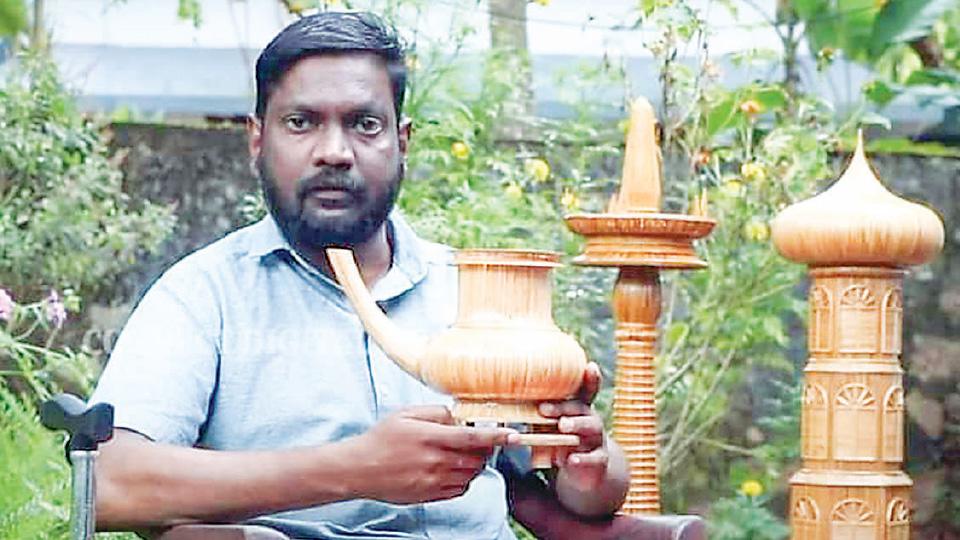 വേദനയിലും വിരിയുന്ന കമനീയ ഗോപുരങ്ങള്